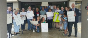 MD peace proponents at Sen. Cardin's office two weeks ago, we'll have many more on Monday at the Labor Day parades!