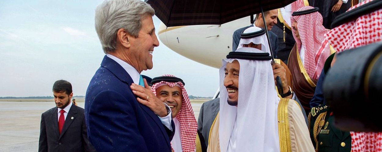 secretary_kerry_chats_with_saudi_king_salman_after_he_arrived_at_andrews_air_force_base_before_meeting_with_president_obama_20936502090